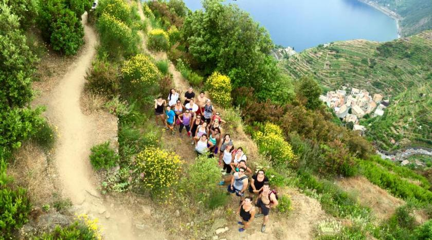 FIU Honors College hiking the Cinque Terre (Photo: Andro Bailly CC BT 4.0)