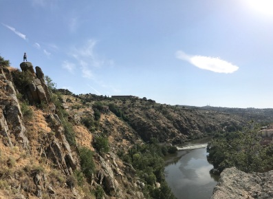 Lauren Lopez of FIU hiking in Toledo. (Photo by JW Bailly CC BY 4.0)