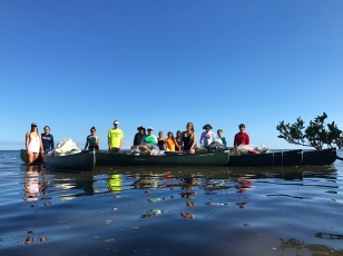 Aesthetics & Values 2018 students from the FIU Honors College collect marine debris at Chicken Key in Miami (Photo by JW Bailly CC BY 4.0)