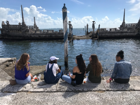 FIU Honors College students at a Civic Dinner event at Vizcaya Museum and Gardens in 2018. (Photo by JW Bailly CC BY 4.0)