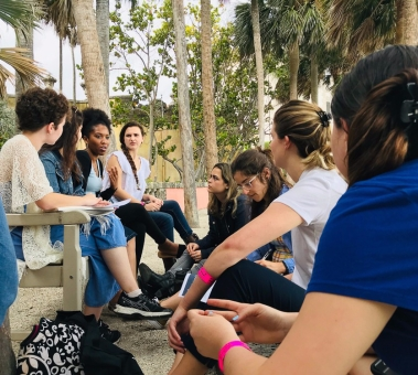 Shalenah Ivey and fellow students of FIU at Vizcaya Museum & Gardens (Photo by JW Bailly CC BY 4.0)