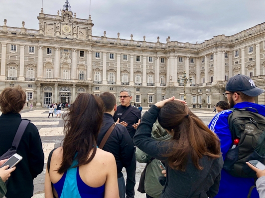 Professor Bailly of FIU lectures at the Palacio Real in Madrid. (Photo by Victoria Atencio CC BY 4.0)